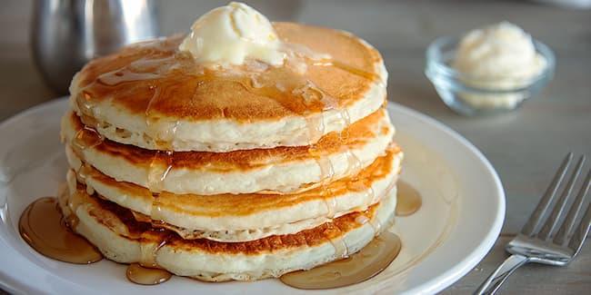 does shoneys serve breakfast all day