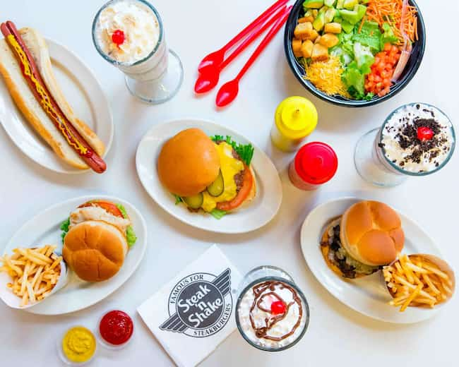 what are steak and shake breakfast hours
