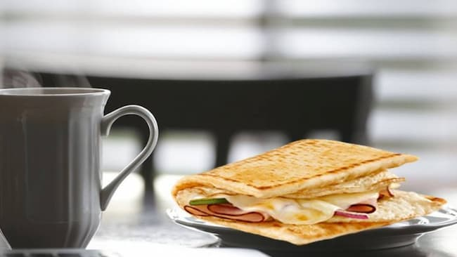what time does subway breakfast end