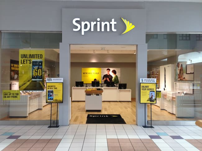 sprint store hours